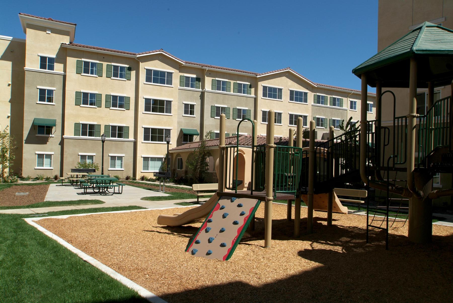 oaks apartments oakley ca
