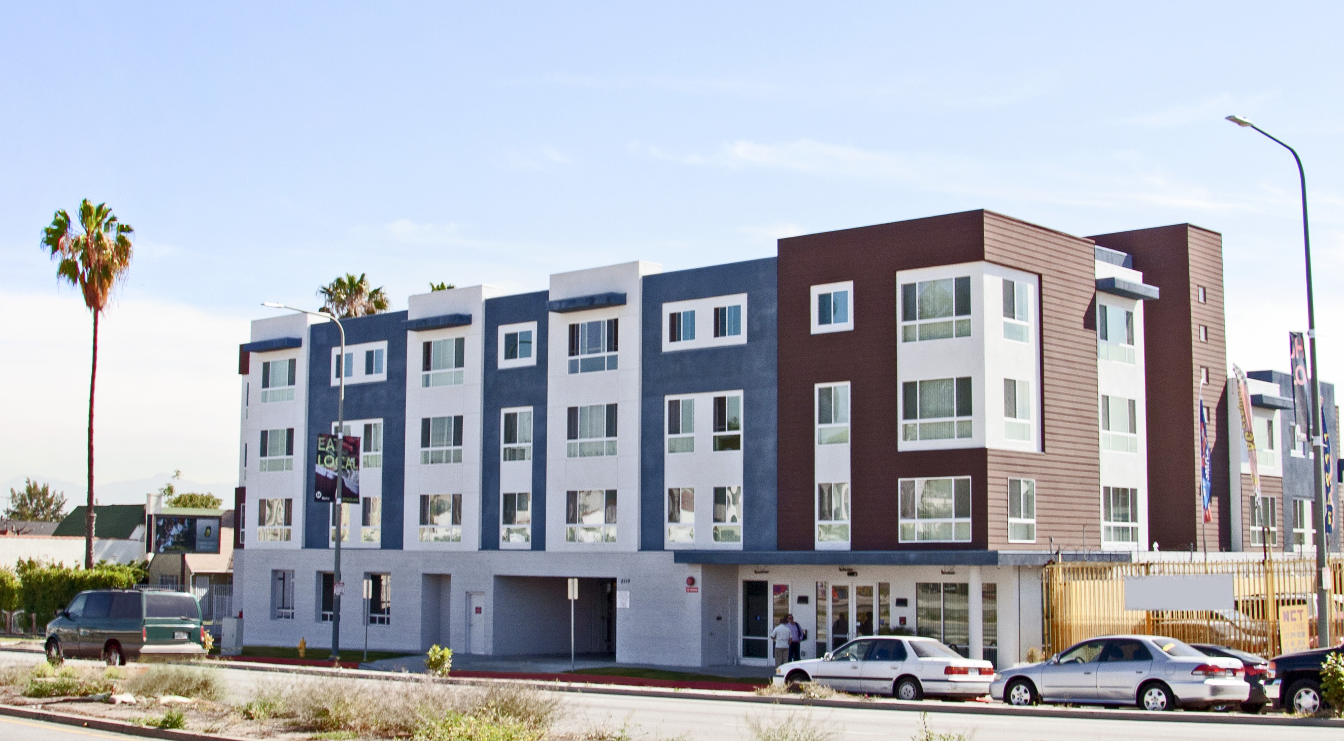 crenshaw family apartments 5110 crenshaw blvd los angeles ca