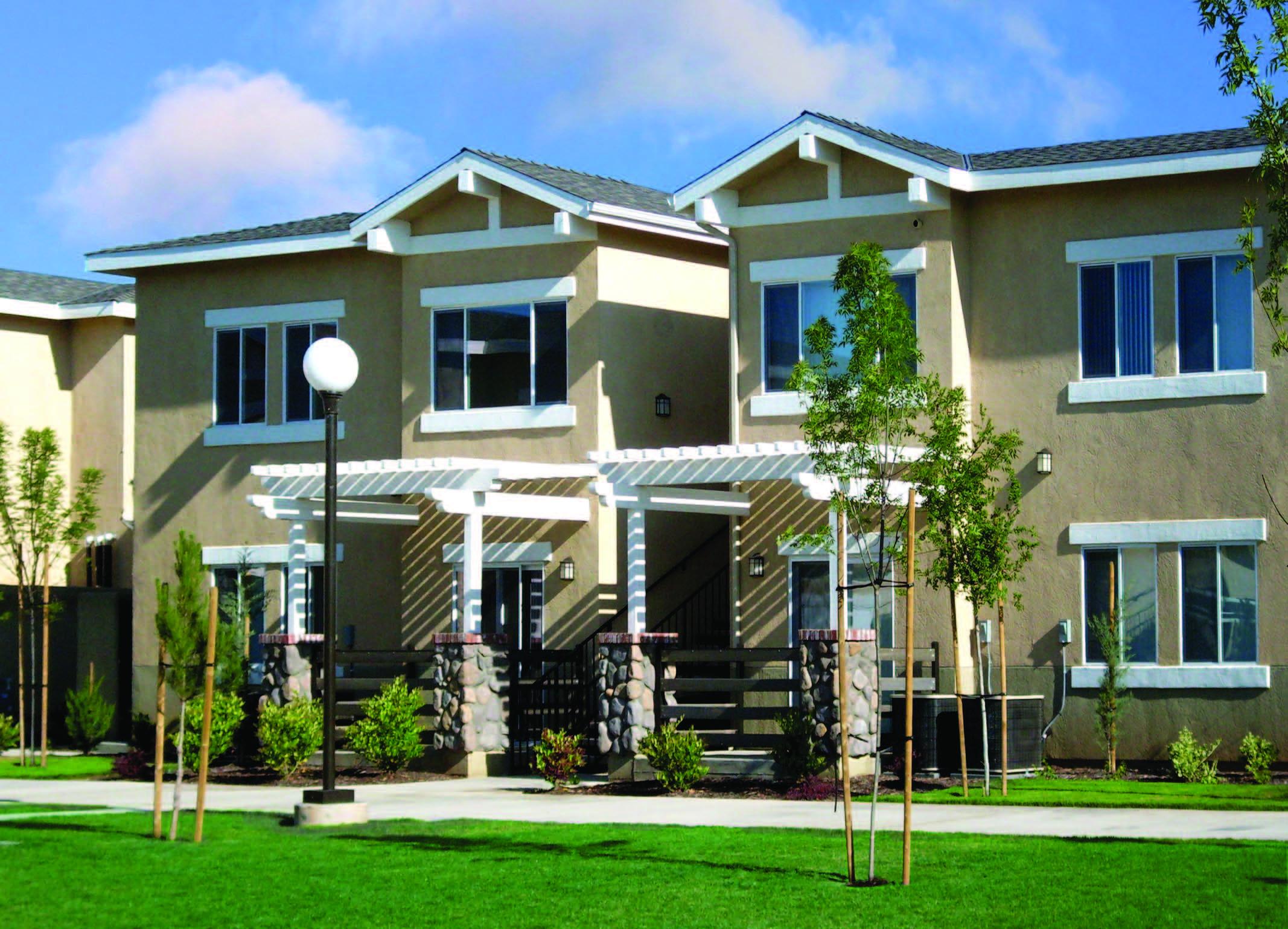 Sierra Village, 702 W. Sierra Ave., Woodlake, CA